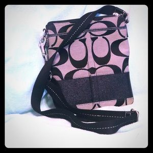 Used excellent condition signature crossbody